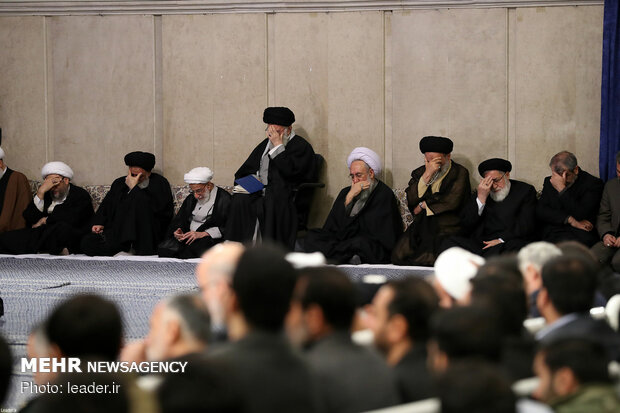 Leader attends memorial ceremony for late Ayatollay Momen