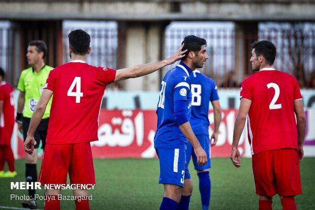 دیدار تیم های فوتبال سپیدرود رشت و استقلال خوزستان