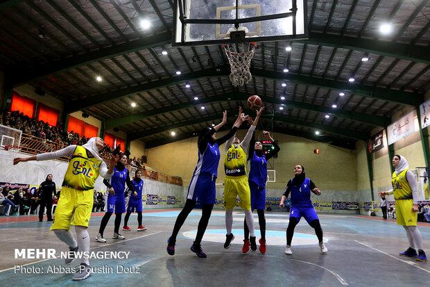 المباراة النهائية من بطولة الدوري الممتاز لكرة السلة للسيدات / فيديو