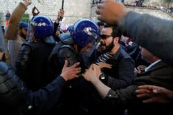 ادامه اعتراضات در الجزایر علیه نامزدی مجدد رئیس جمهور