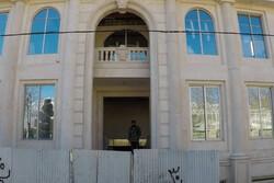 ایران کے سابق وزیر کی لڑکی کا غیر قانونی مکان تباہ کردیا