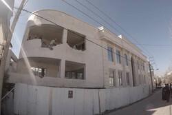 تخریب ویلای غیر مجاز در لواسان توسط مالک در حال اجرا است