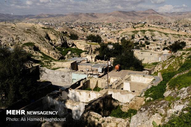 نمایی از شهر مسجد سلیمان بر فراز محله قدیمی کلگه.