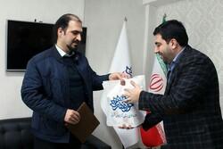تجلیل حوزه هنری آذربایجان شرقی از نویسنده کتاب رکابزنان درپی شمس