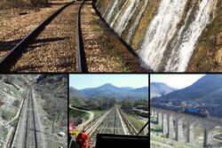 قطار گردشگری لرستان به راه افتاد/ حرکت روی ریل توسعه