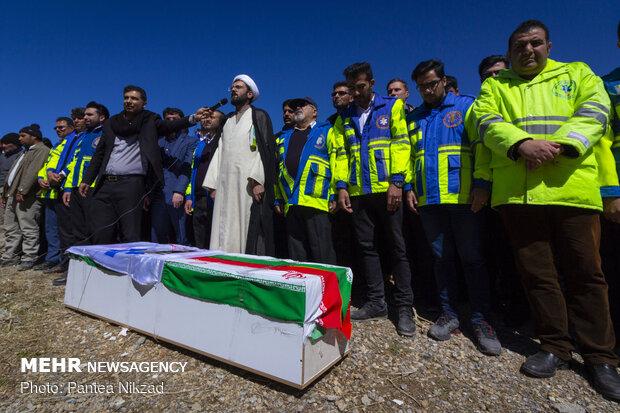مراسم تشییع پیکر جانباختگان حادثه سقوط بالگرد درشهرکرد