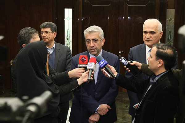 Iran's power grid to connect to Russia via Azerbaijan: energy min.