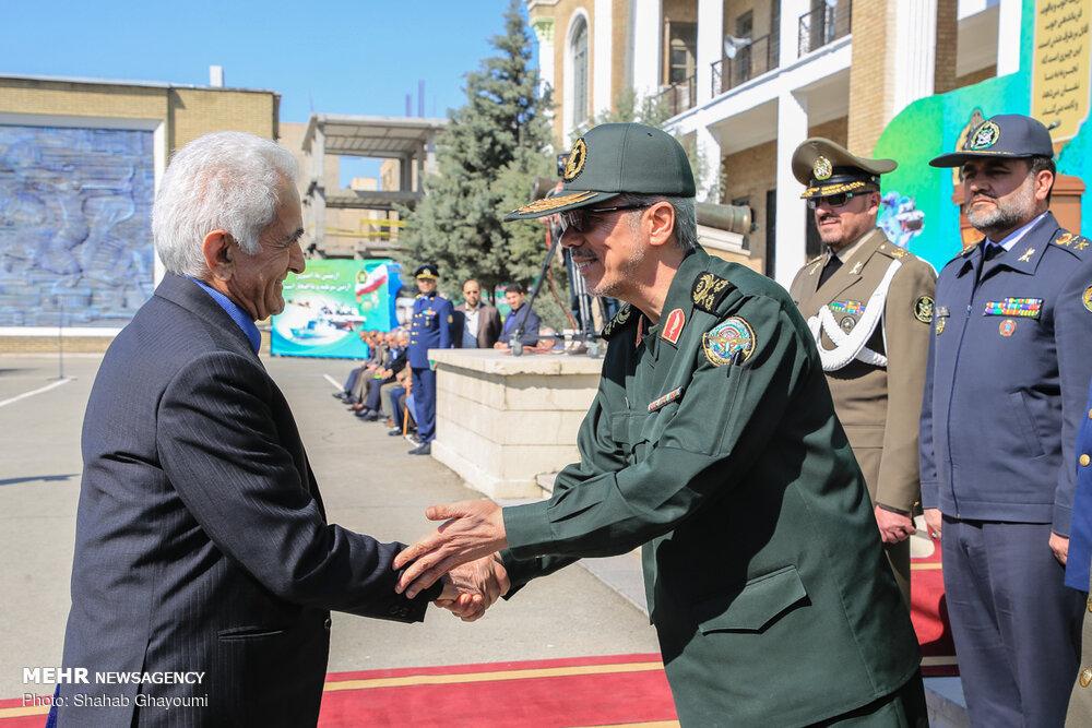 مراسم دانش آموختگی دانشجویان دانشگاه دافوس با حضور رئیس ستادکل نیروهای مسلح