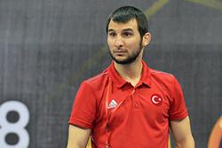 قهرمان المپیک سرمربی تیم کشتی آزاد ترکمنستان شد