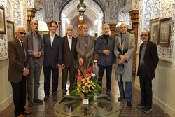 گردهمایی هنرمندان در موزه هنرهای ملی برای خداحافظی از مدیر