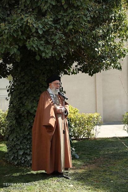 Ayatollah Khamenei plants trees on National Day of Planting Trees