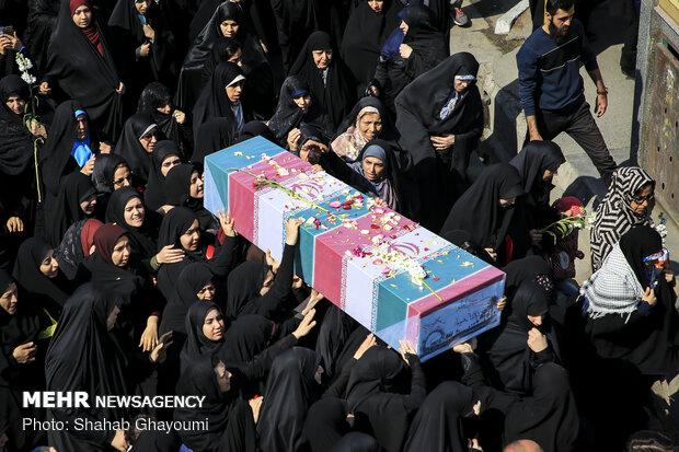 پیکر دو شهید گمنام در بوشهر تشییع شد