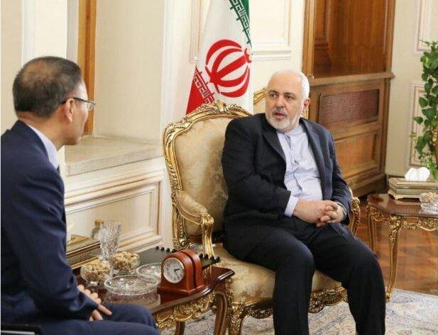 ظريف يلتقي بسفير الصين في طهران
