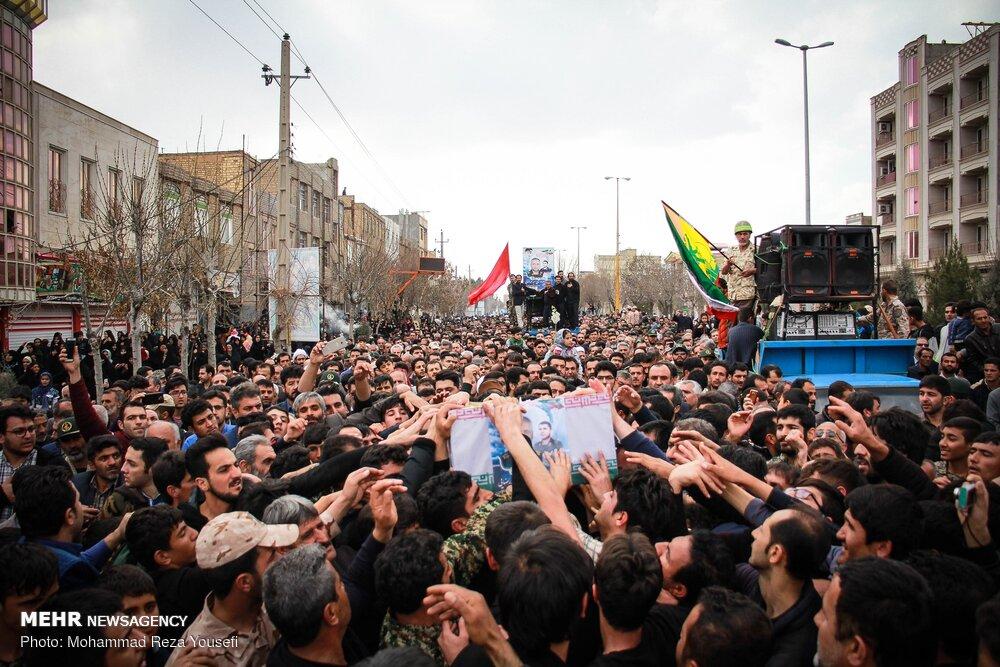 تشییع پیکر حمید محمدرضایی شهید مدافع حرم در تاکستان