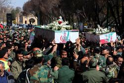 اصفہان میں ہیلی کاپٹر حادثے کے شہیدوں اورپائلٹ کی تشییع جنازہ