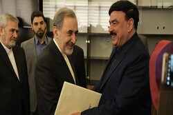 Velayati receives letter of Pakistani pres., premier  to Leader
