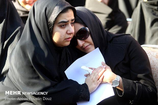 مراسم تشییع پیکر خلبانان حادثه سقوط بالگرد در اصفهان