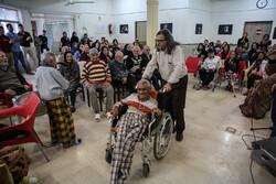 جشن پایان سال در سرای سالمندان