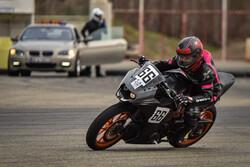 الدورة الأولى لسباق الدراجات النارية للسيدات/صور