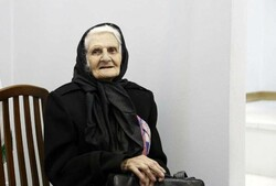 Lilitte Therian attends an exhibition of her sculptures and artworks by her fellow artists at Maryam Gallery in Tehran on January 6, 2017. (Honaronline/Gata Ziatabari)
