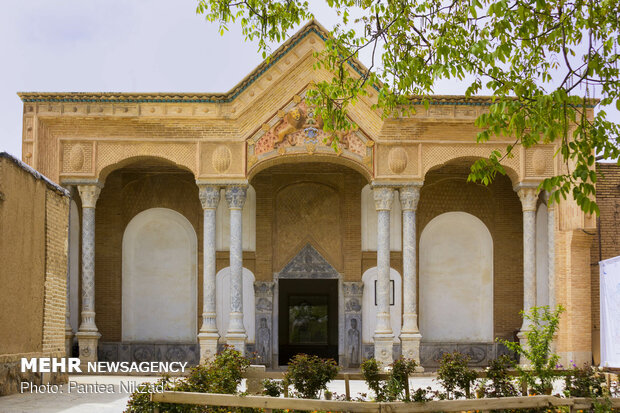 سردر ورودی قلعه چالش تر(عمارت خدارحم خان)