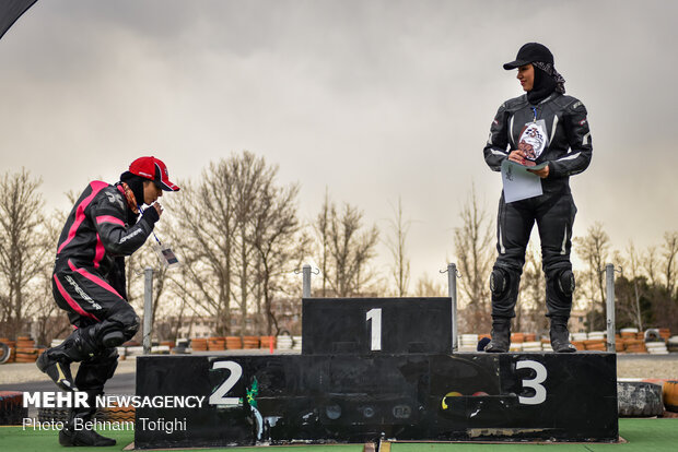 1st women's high-speed moto racing