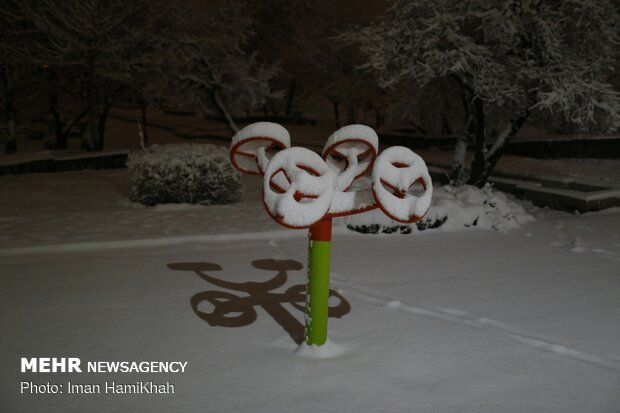 شب برفی همدان