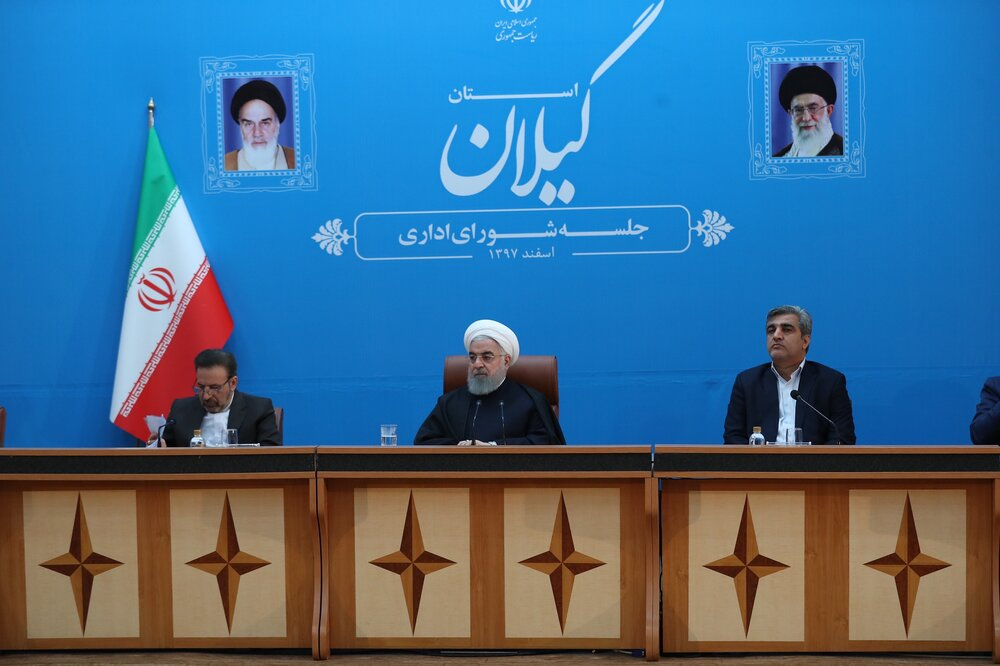 Iran's Rouhani seeks to boost ties on first visit to Baghdad