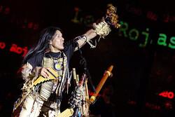 «پسر خورشید» در برج میلاد روی صحنه رفت/ انجام حرکات سرخپوستی