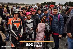 مسابقات موتورسواری سرعت بانوان