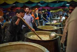 توزیع ۲۰ هزار پرس غذای نذری در دزفول آغاز شد
