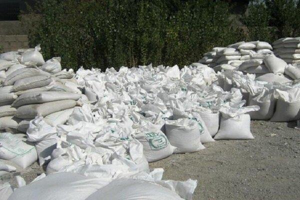 کشف بیش از ۵.۵ تن کود شیمیایی قاچاق در اسدآباد