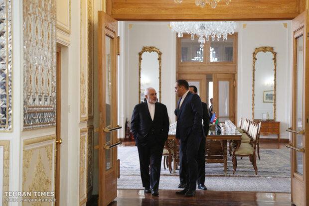 Iranian, Azeri FMs meet in Tehran