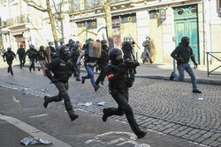 یلو ویسٹ احتجاج روکنے میں ناکامی پر پیرس کے پولیس سربراہ برطرف