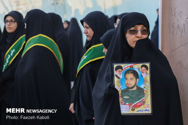 Two anonymous martyrs laid to rest in Payame Noor Uni. استان گلستان