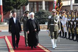 Ruhani Irak gezisini başlattı; Trump'ın gizli ziyaretiyle alay etti!