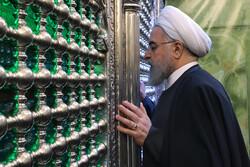 روحاني يزور مرقد الإمام موسى الكاظم ومحمد الجواد في بغداد