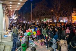 مردم مشتاق خرید از نمایشگاه بهاره اصناف مخالف برگزاری