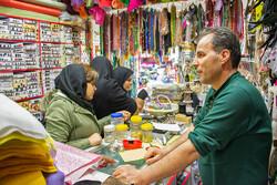 تجریش کے بازار میں عید نوروز کی مناسبت سے اشیاء کی خرید و فروش
