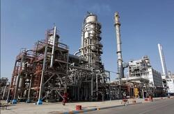 سود صنایع پالایشی حداکثر ۹ درصد/ قیمتگذاری فرآوردههای ویژه تابع قیمت نفت است