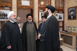 صدر روحانی کا نجف اشرف میں حضرت امام خمینی (رہ) کے گھر کا دورہ