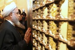 روحاني يزور مسجد الكوفة