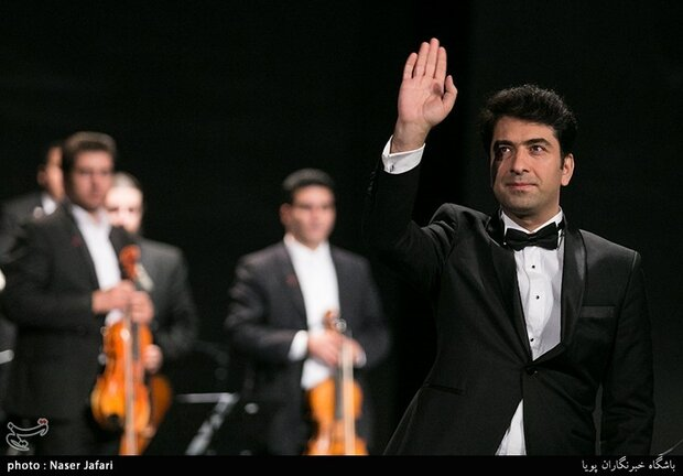 Vocalist Mohammad Motamedi offers low-priced concerts in Tehran