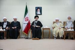 رہبر معظم انقلاب اسلامی سے خبرگان کونسل کے اراکین کی ملاقات