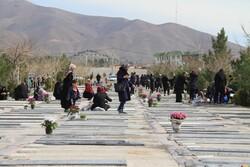 حضور دو برابری کرجیها در آرامستان بهشت سکینه(ع)/ ترافیک مدیریت شد