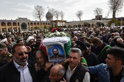 شیراز میں مرحوم اکبر شریعت کی تشییع جنازہ