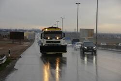 مه و کولاک در برخی از جاده های زنجان حاکم است