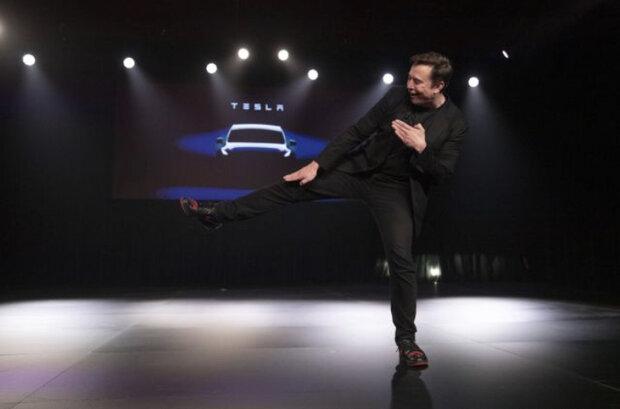 تسلا از خودروی برقی «مدل Y» رونمایی کرد