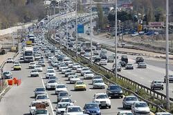 برف و باران در جاده های کشور/ ترافیک نیمه سنگین در چالوس