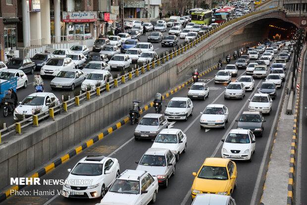 ترافیک در غرب به شرق سه بزرگراه شریانی پایتخت